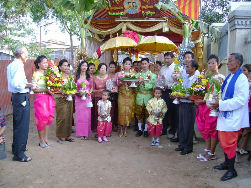 1219381132_vHAknN5i_khmer-wedding