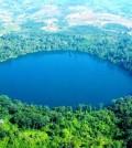 Yak-Loum-lake-in-Ratanakiri-Province_3917003970