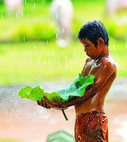 Playing-with-Rain-Cambodia