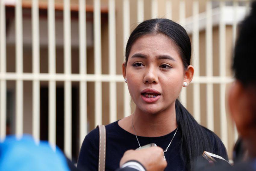 2_social_media_celebrity_thy_sovantha_speaks_to_the_press_outside_phnom_penh_court_earlier_this_year_in_phnom_penh_hong_menea