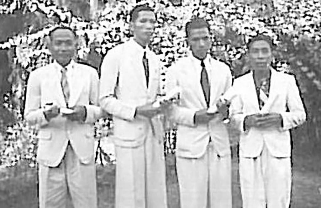 1947 바탐방 바이블 스쿨 첫 졸업생