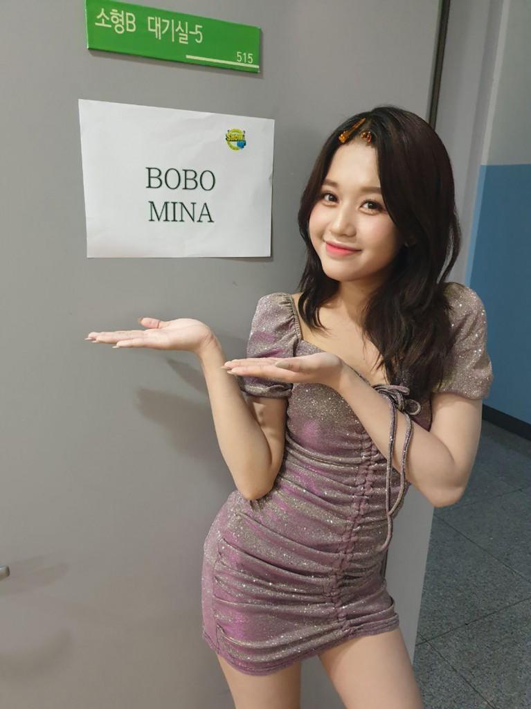 한국 음악방송 쇼업 대기실 앞에서 (1)