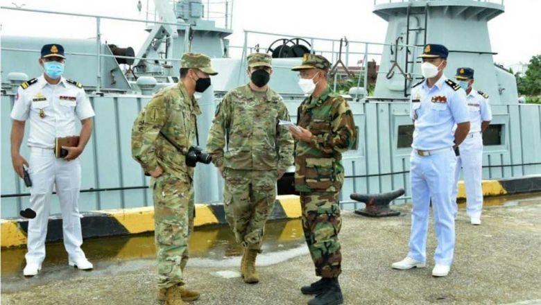 리암해군기지의 미군 방문단