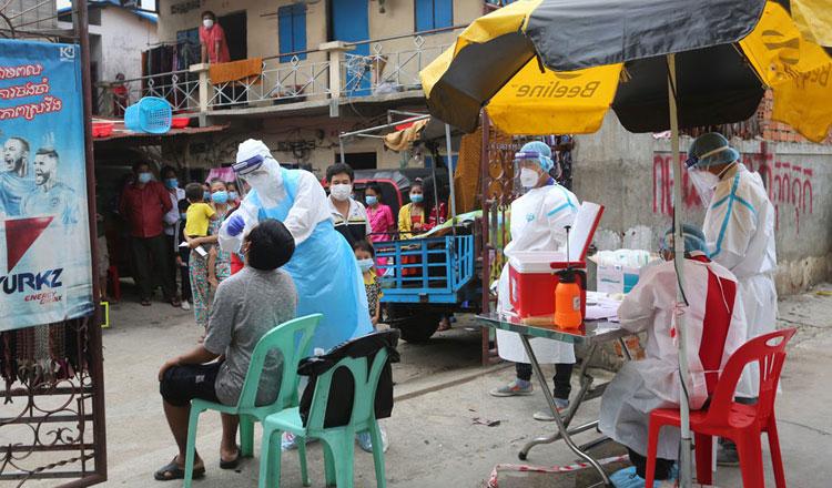2021-06-15 바탐방주의 한 코로나19 검사장. 이제 캄보디아 지방에도 많은 확진자가 발견되고 있어 더이상 안전지대라 부르기 어렵게 됐다