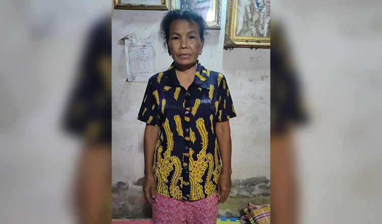 2021-06-15 캄보디아에서 300만번째 백신 접종자인 이 여성은 상금으로 2500달러를 받았다