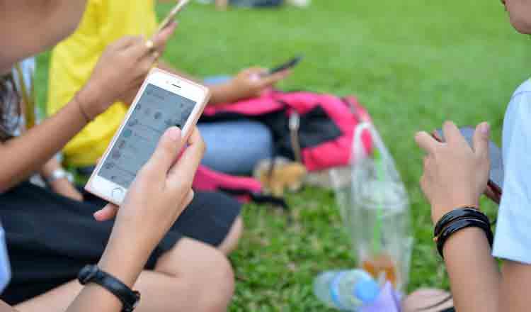 코로나19 팬데믹 기간에 캄보디아 인터넷 사용자가 급증했다