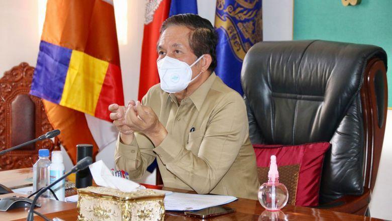 쿠옹 스렝 프놈펜 시장은 자택 치료자들에게 안전하게 폐기물을 처리할 것을 지시했다.