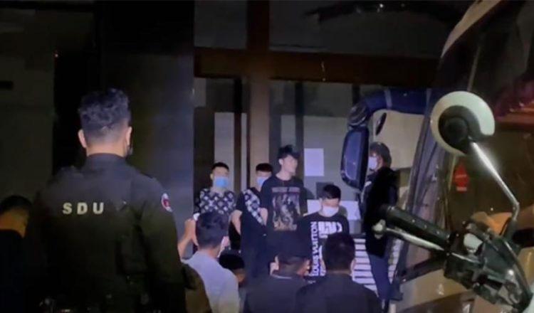 프놈펜 시경의 급습으로 검거된 중국인들_4