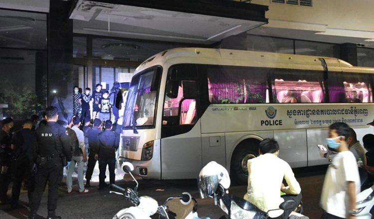프놈펜 시경의 급습으로 검거된 중국인들_6