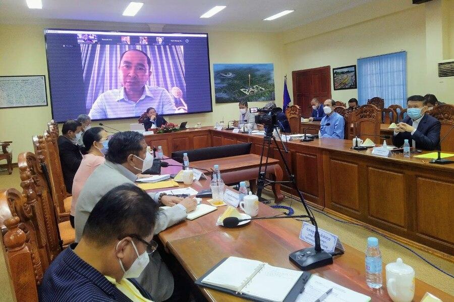 캄보디아 정보부에서 정기 주간 회의를 열고 있다