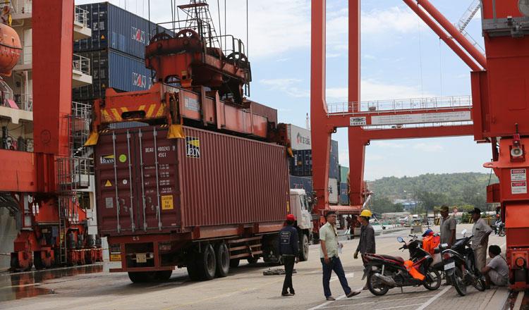 캄보디아 수출은 감소했지만 늘어이 품목도 있었다